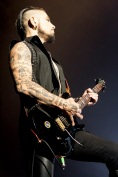 Jane's Addiction-Phoenix, AZ-2015-10-29 Dave Navarro-039